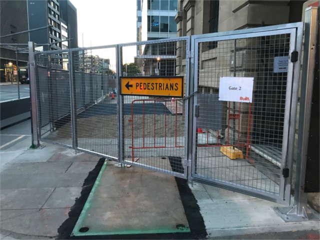 Bi-fold Mesh Gate